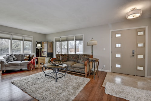 Beautifully Updated. Convenient Central Boise Location