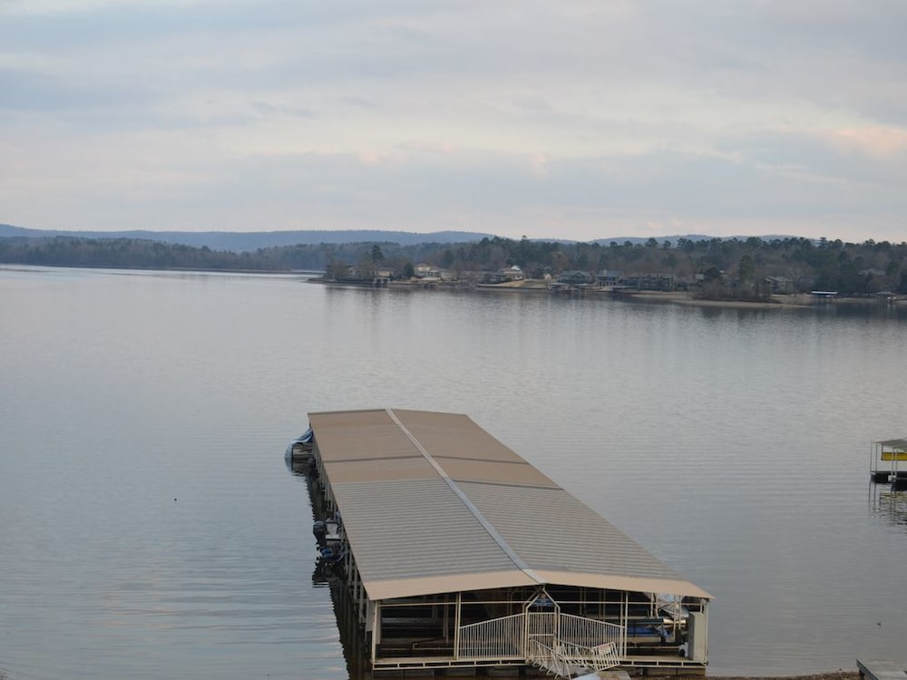 Condo On Lake Hamilton 270 Willow Beach Iniums C 9 In Hot Springs Hotel Rates Reviews Orbitz