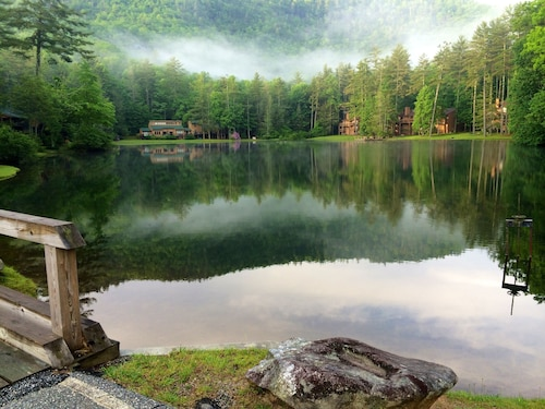 Relax, Enjoy Mountain Views, Lakes, Waterfalls, Hiking, Canoeing. Pets Welcomed!