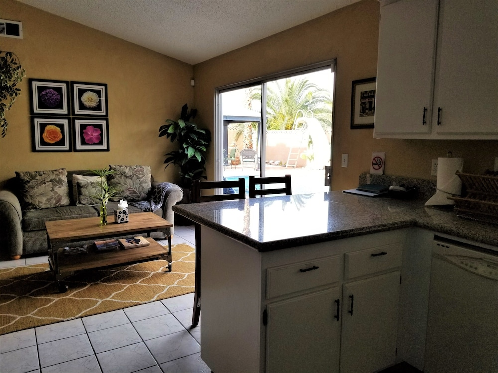 , Perfect Location, Quiet, Clean, Game-room, Piano, Just Minutes West of the Strip