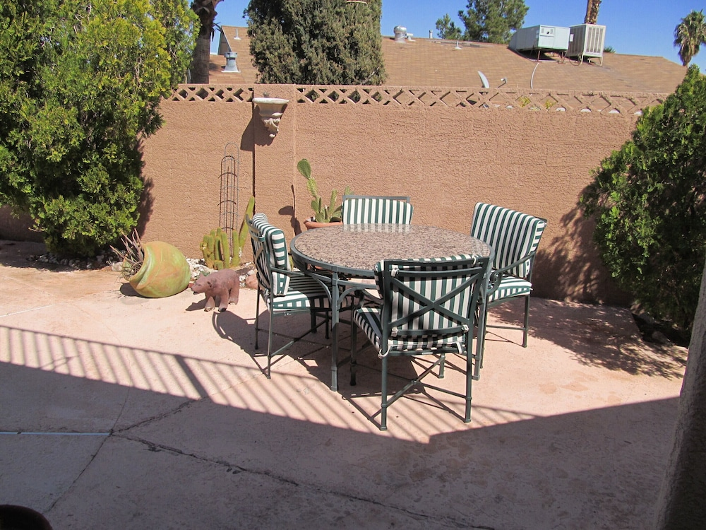 Terrace/Patio, Perfect Location, Quiet, Clean, Game-room, Piano, Just Minutes West of the Strip