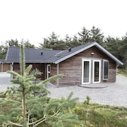 Luxury Holiday House With Internet, Situated by the Sea, Fjord and sea National Th