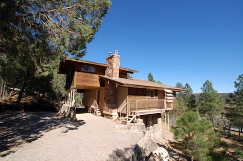 Spacious House Nestled in Ruidoso Pines