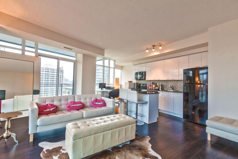 Elegant 2 Bedroom Condo Downtown Toronto 2018 Pictures Reviews