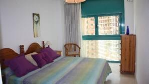 1 bedroom, iron/ironing board, Internet, linens
