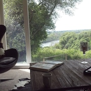 Fair Oaks View of River and Great Location
