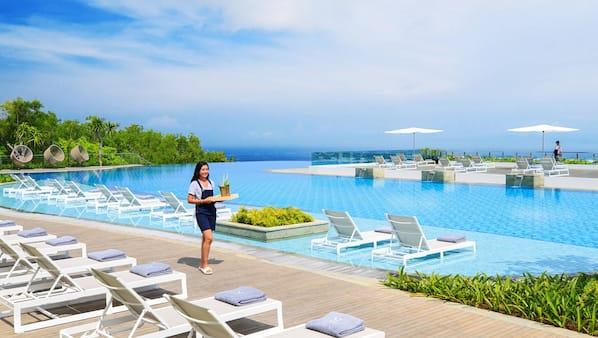 4 buitenzwembaden, gratis zwembadcabana's, parasols voor strand/zwembad