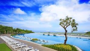 4 개의 야외 수영장, 06:00 ~ 20:00 오픈, 무료 카바나, 수영장 파라솔