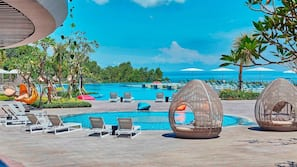 4 outdoor pools, open 6:00 AM to 8:00 PM, free cabanas, pool umbrellas
