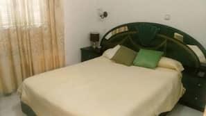 3 개의 침실, 암막 커튼, 다리미/다리미판, 무료 유아용 침대