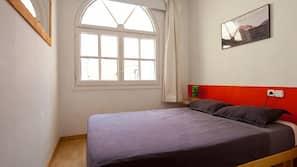 3 Schlafzimmer, Verdunkelungsvorhänge, kostenloses WLAN, Bettwäsche