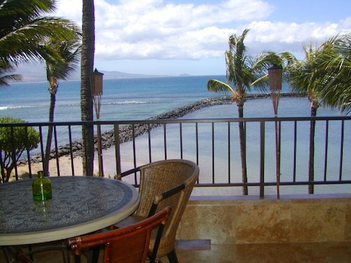 TOP Floor Oceanfront! ON SPECIAL Dec15-25! Aloha