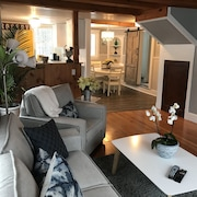 Beautiful Falmouth Furnished 3 Bedroom 2 Bath Loft Close to Portland