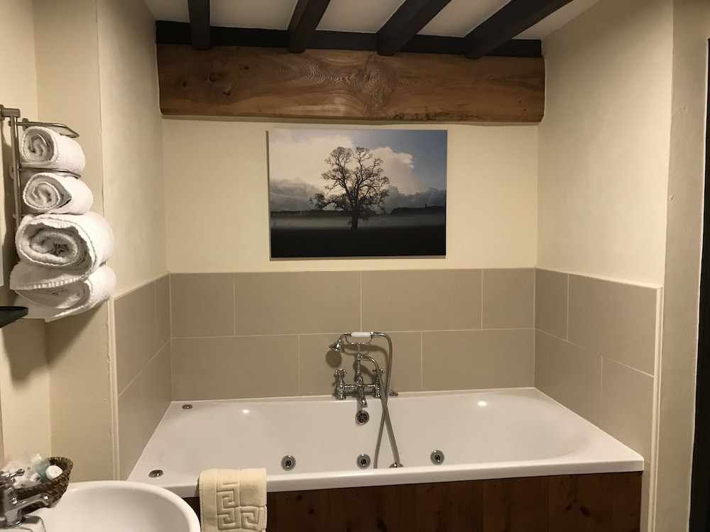 Jetted Tub, The Stables at Cross Butts