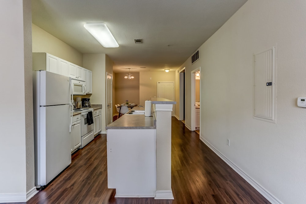 Private Kitchen, Apts at 41st by NamaStay