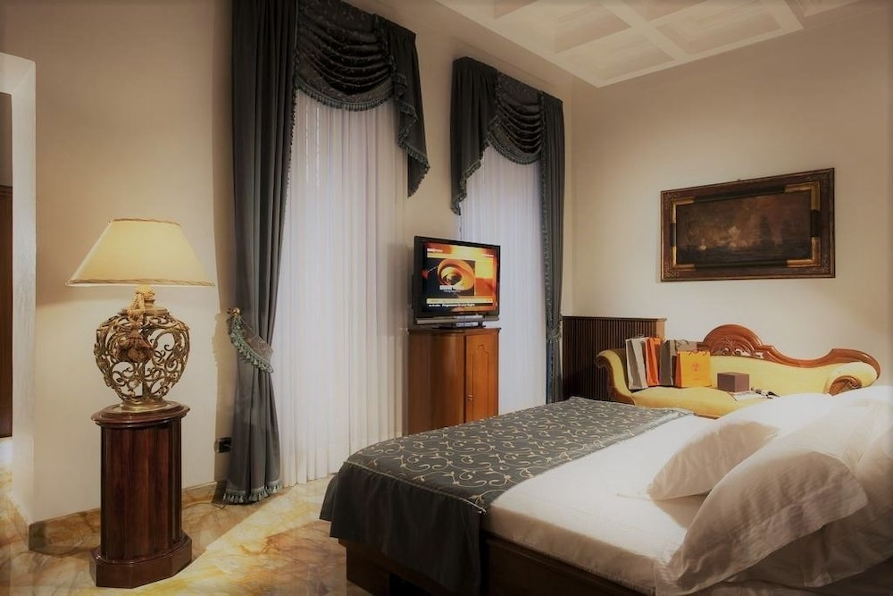 Spagna Dream Suites (Roma, Italia) | Expedia.it