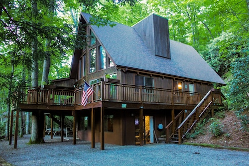 Mountain House Overlooking South Toe River With Fabulous View of Mt. Mitchell!