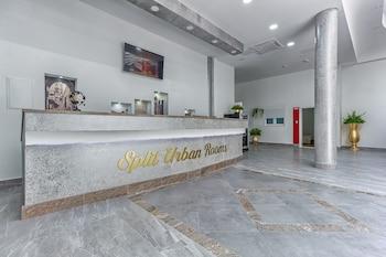 Split Urban Rooms