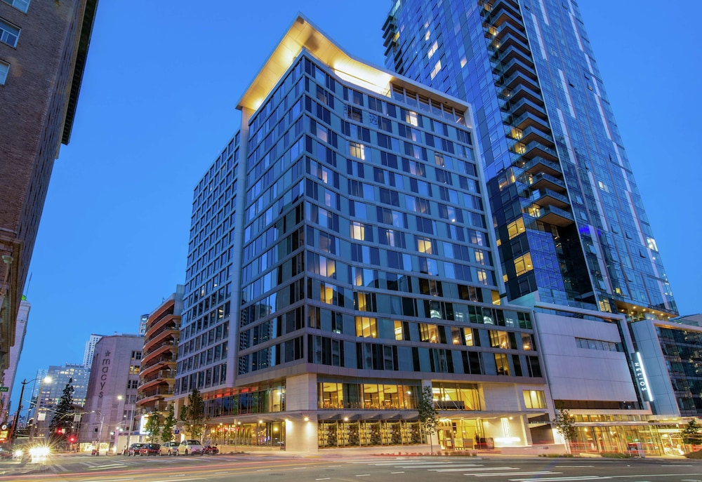 Hotels In Seattle >> The Charter Hotel Seattle Curio Collection By Hilton In