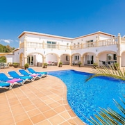 Modern Villa in Javea, Situated in a Quiet Cul-de-sac With air Conditioning