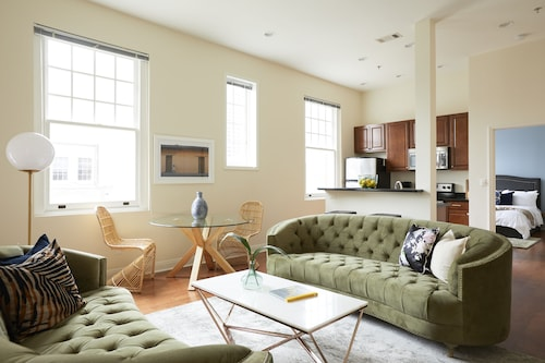 Check Expedia for Availability of Hip 1BR in Arts/Warehouse District by Sonder