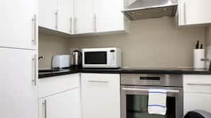 Microwave, oven, hob, dishwasher