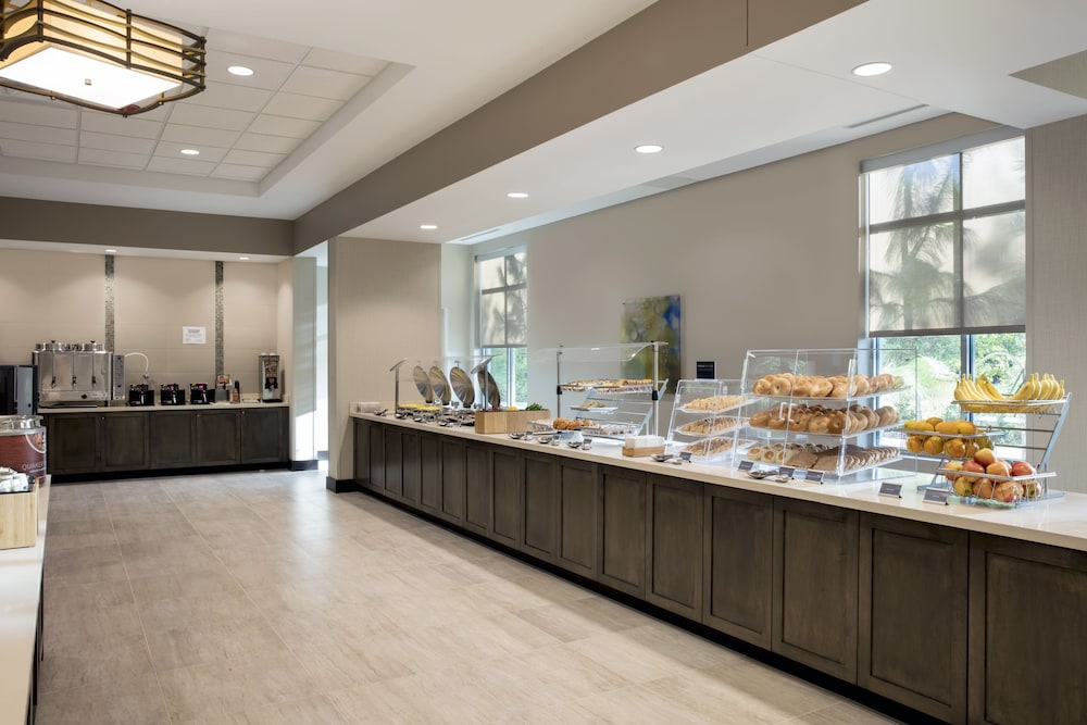 Breakfast buffet, TownePlace Suites by Marriott Orlando Theme Parks/Lake Buena Vista