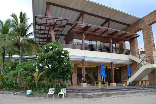 Apartment Carola B 711 at Pico de Loro