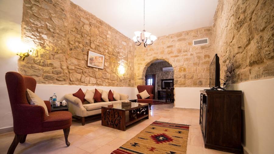 Old Village Resort-Petra