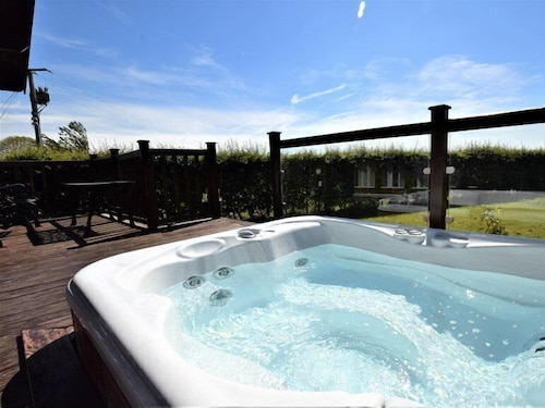 Outdoor Spa Tub, Pheasant Lodge Scottish Borders