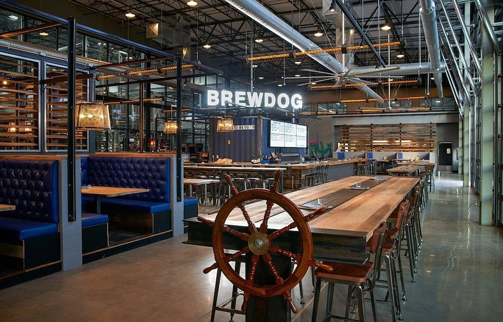 Dining, DogHouse Hotel and Brewery