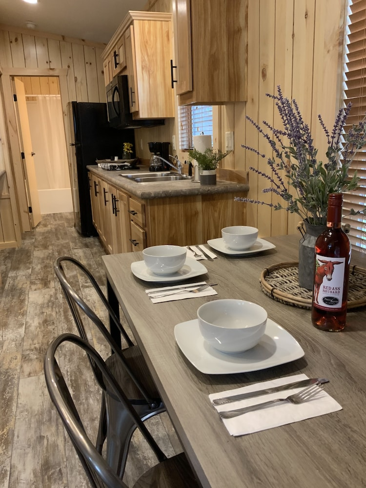 In-Room Dining, Rockerville Lodge & Cabins
