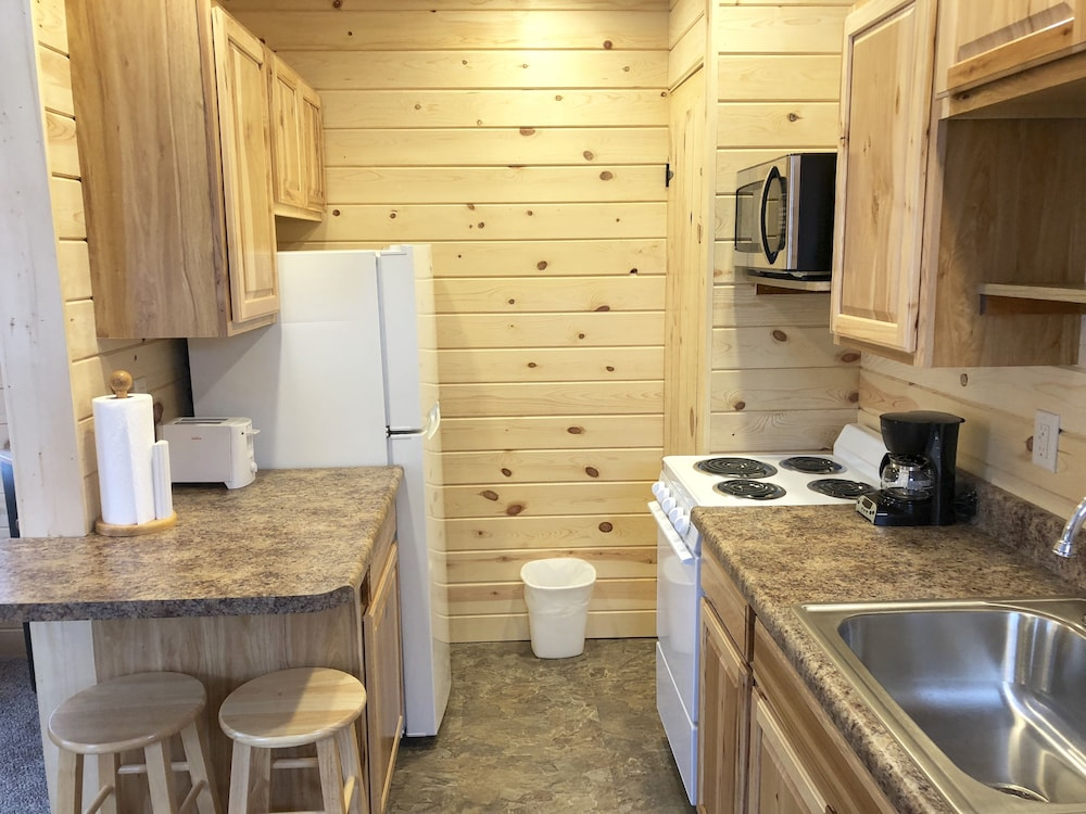 Private Kitchen, Rockerville Lodge & Cabins