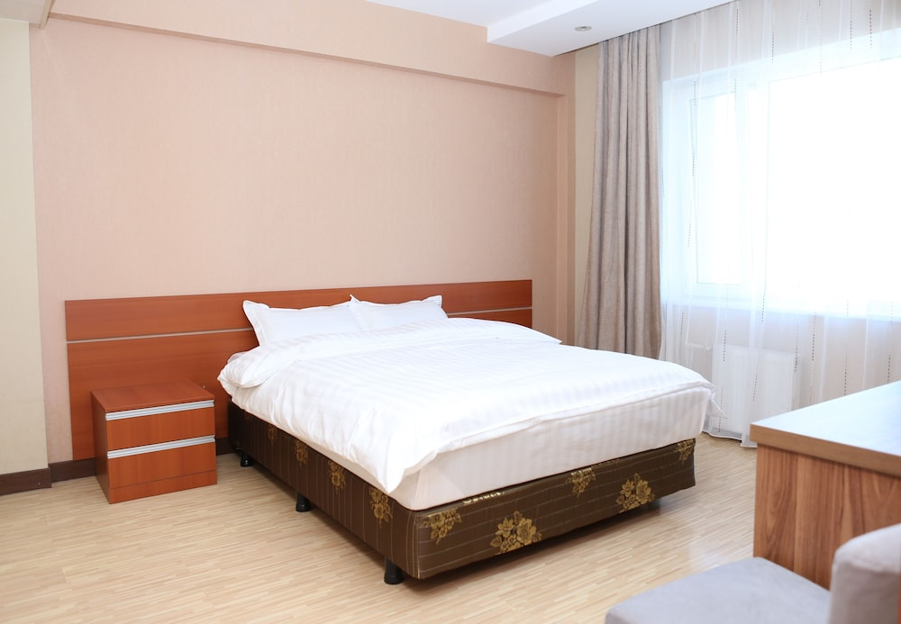 MOUNT BOGD APARTMENT, Ulaanbaatar: Room Prices & Reviews ...