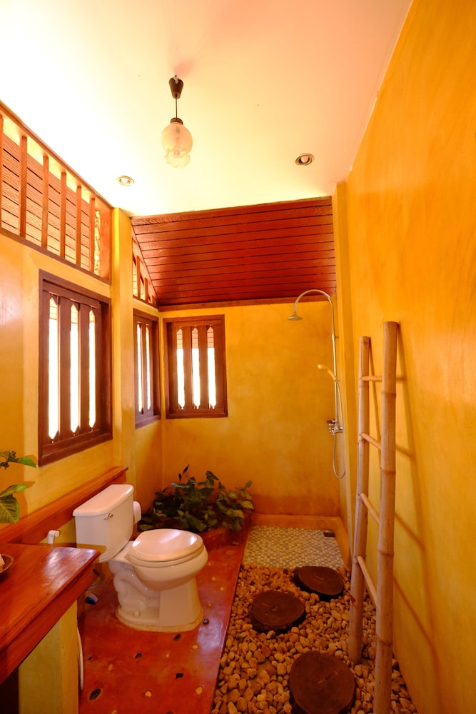 Bathroom, Khunyuam Resort