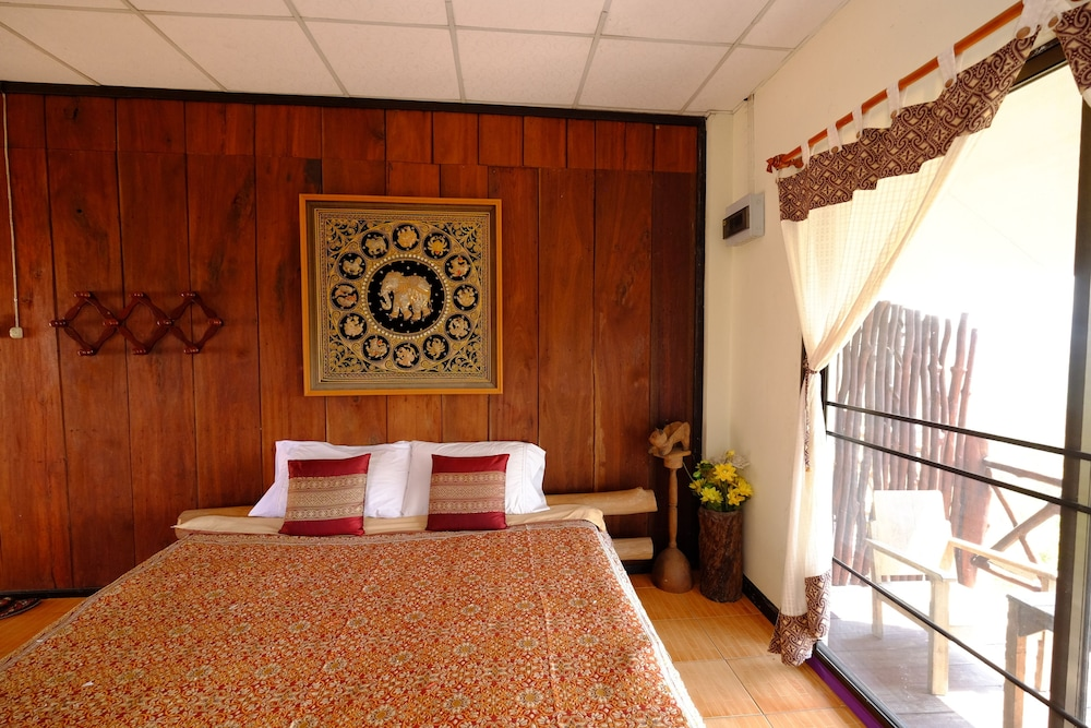 Room, Khunyuam Resort