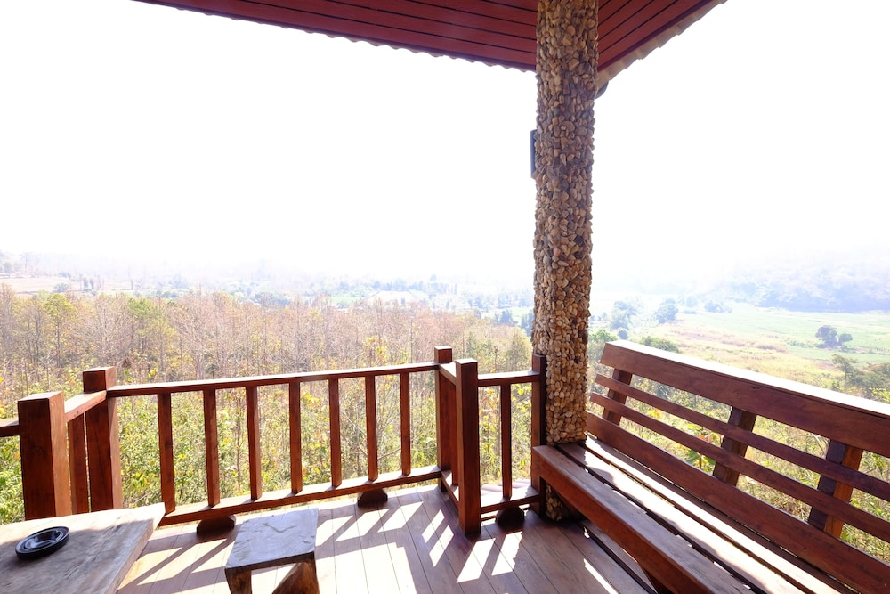Balcony, Khunyuam Resort