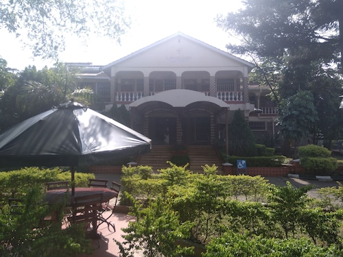 Le Savanna Country Lodge And Hotel