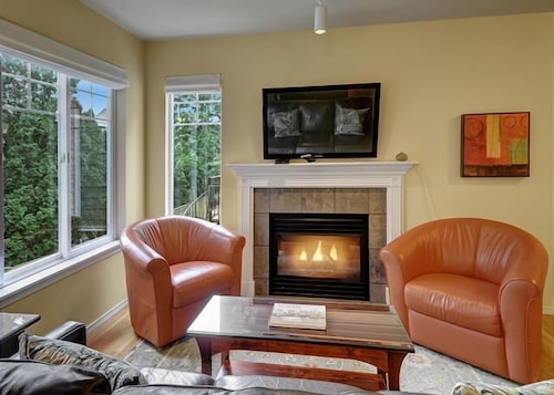 Great Place to stay Ballard Northwesterner - Three Bedroom Townhome with Balcony near Seattle