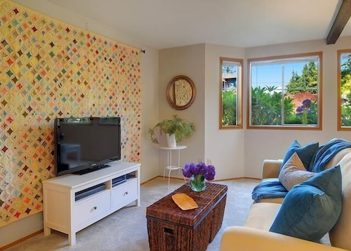Great Place to stay Phinney Suites - One Bedroom Apartment near Seattle