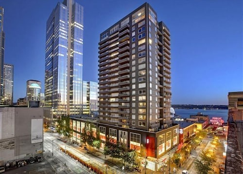 Great Place to stay Newmark Seattle Luxury Retreat - One Bedroom Apartment with Balcony near Seattle