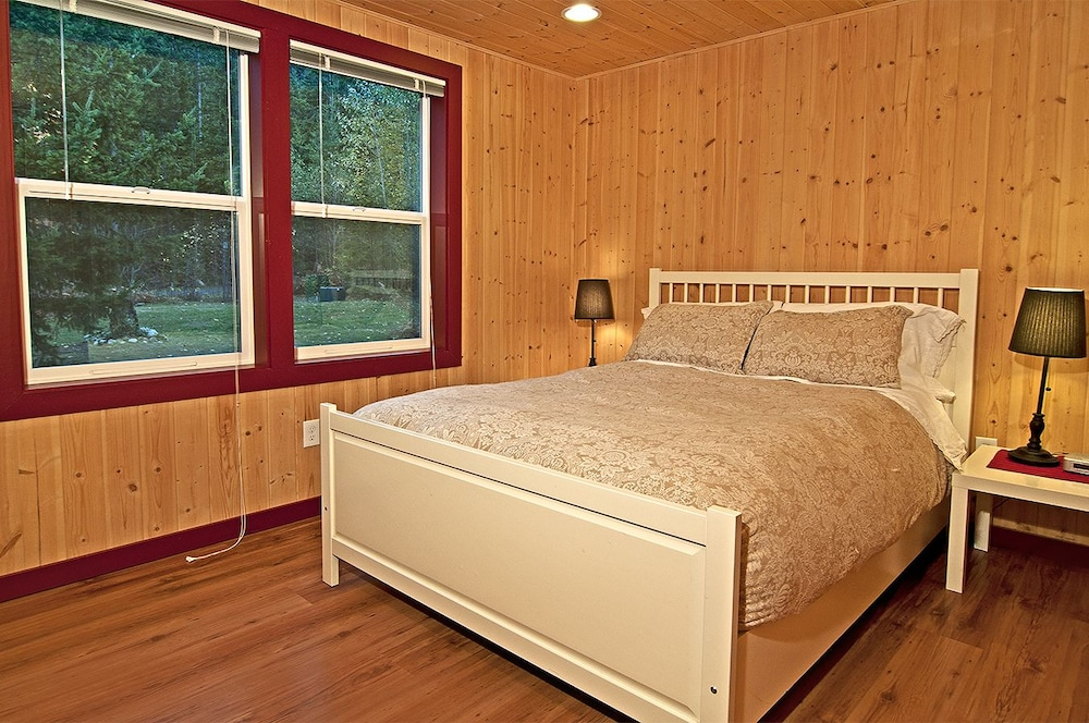 Money Creek Lodge - Five Bedroom Cabin with Hot Tub: 2018 Pictures ...