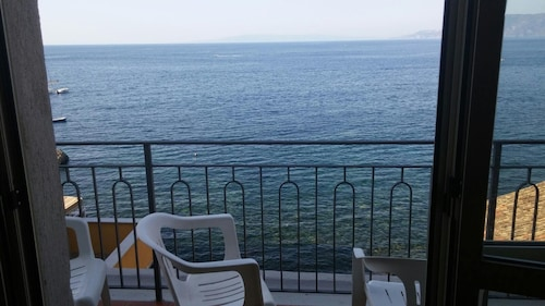 Apartment With 3 Bedrooms in Scilla, With Wonderful sea View, Furnished Balcony and Wifi - 350 m From the Beach