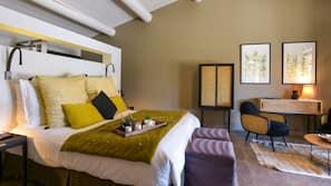 Premium bedding, free minibar items, in-room safe