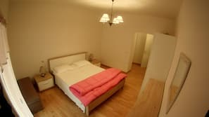 1 bedroom, free cots/infant beds, free WiFi, wheelchair access