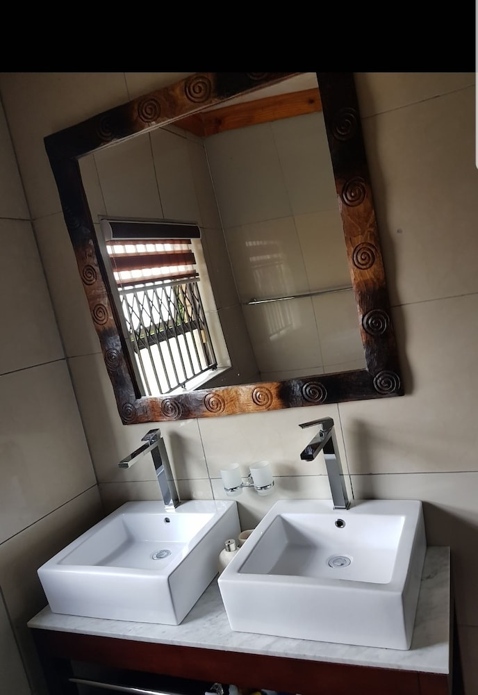 Bathroom, Kwantulindawo Guesthouse Newcastle