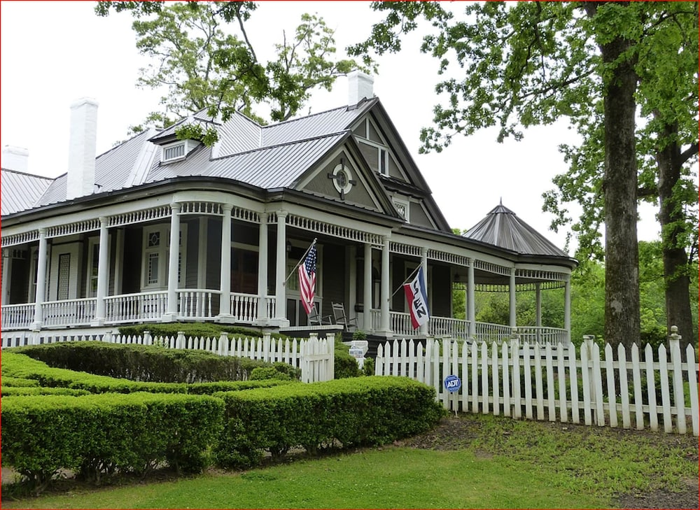Hogan House at Rose Hill Bed and Breakfast in LaGrange   Hotel Rates ...