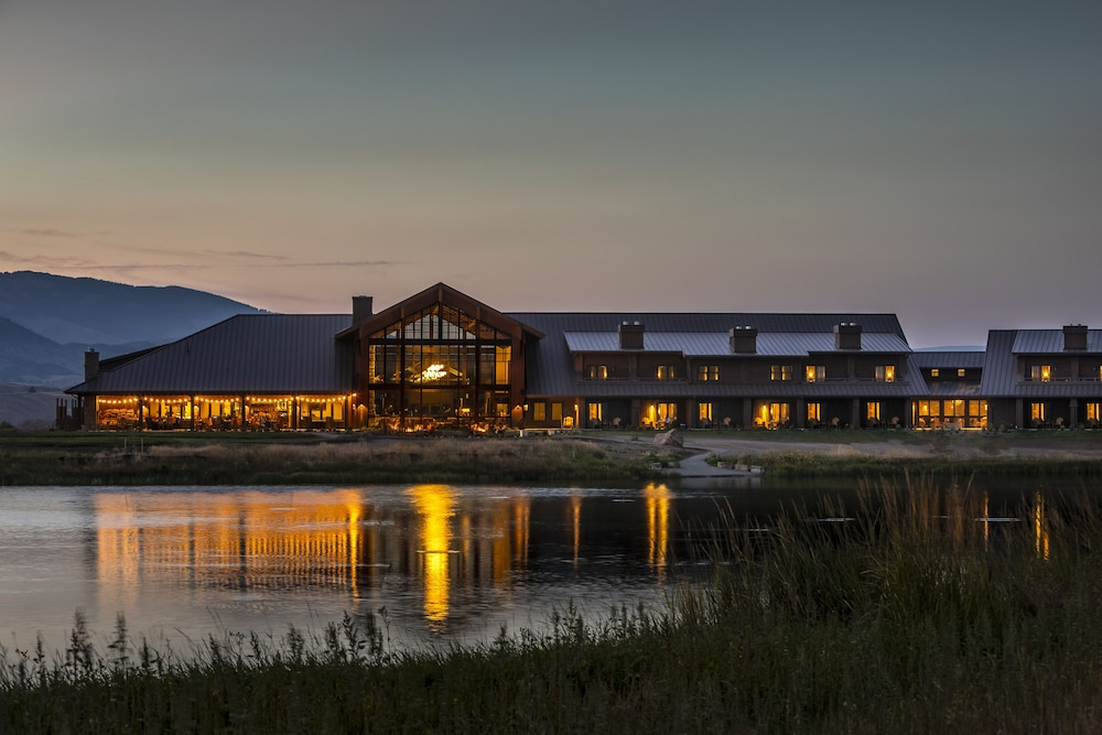 Featured Image, Sage Lodge