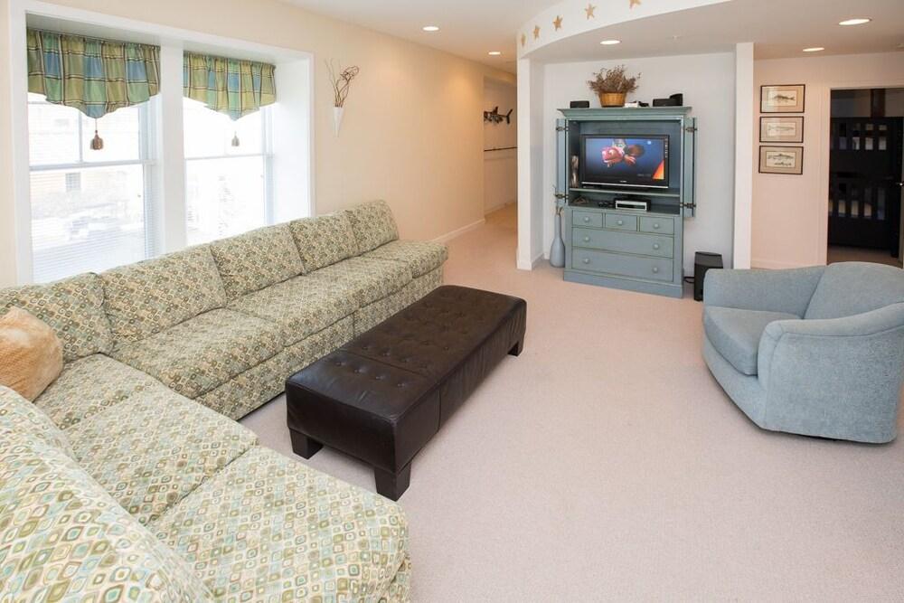 A101 Starfish Condominium 3 Bedrooms 2 Bathrooms Condo In Norfolk