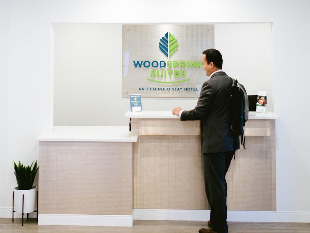 WoodSpring Suites Seattle Tukwila In
